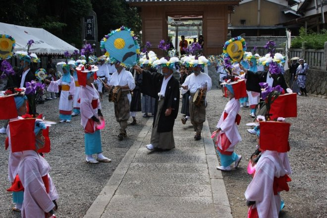 綾子踊(まんのう町・加茂神社)...